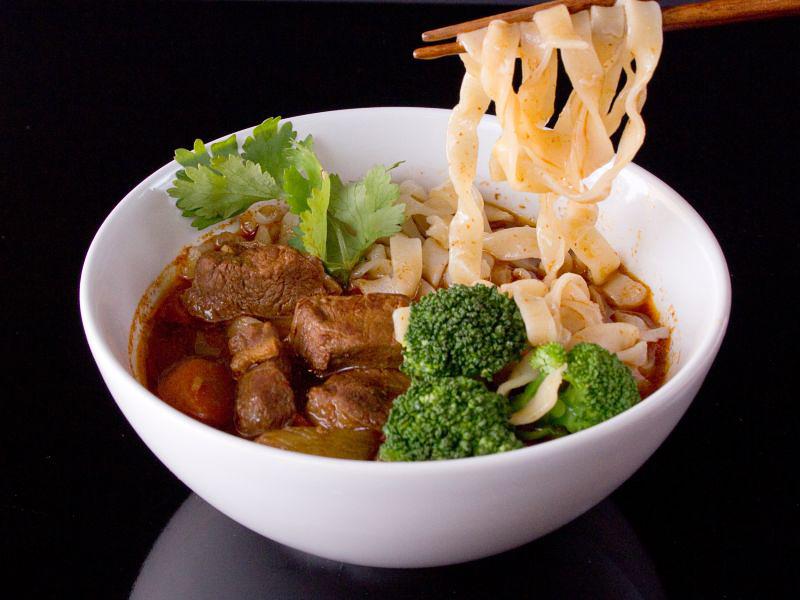 Taiwanesische Nudelsuppe mit Rindfleisch 2