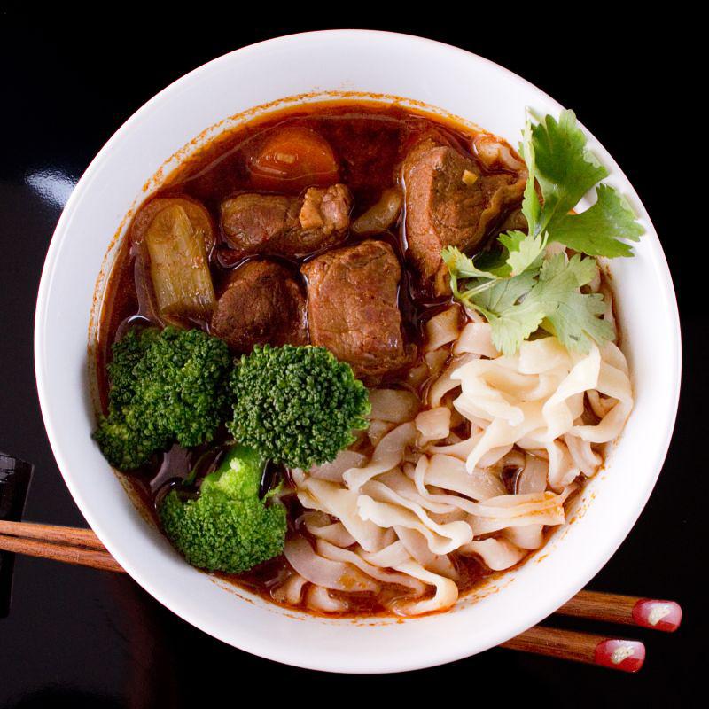 Taiwanesische Nudelsuppe mit Rindfleisch 6