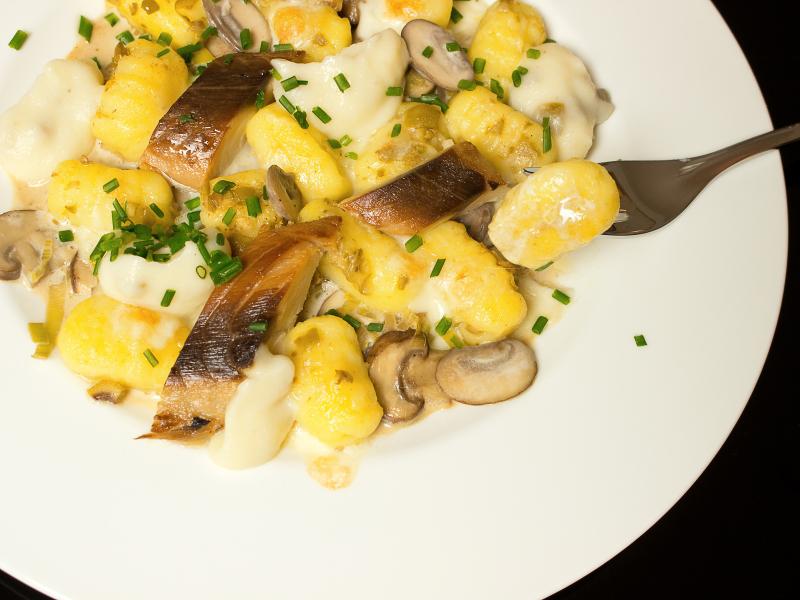 Olivengnocchi mit Pilzrahmsosse und Makrele 7