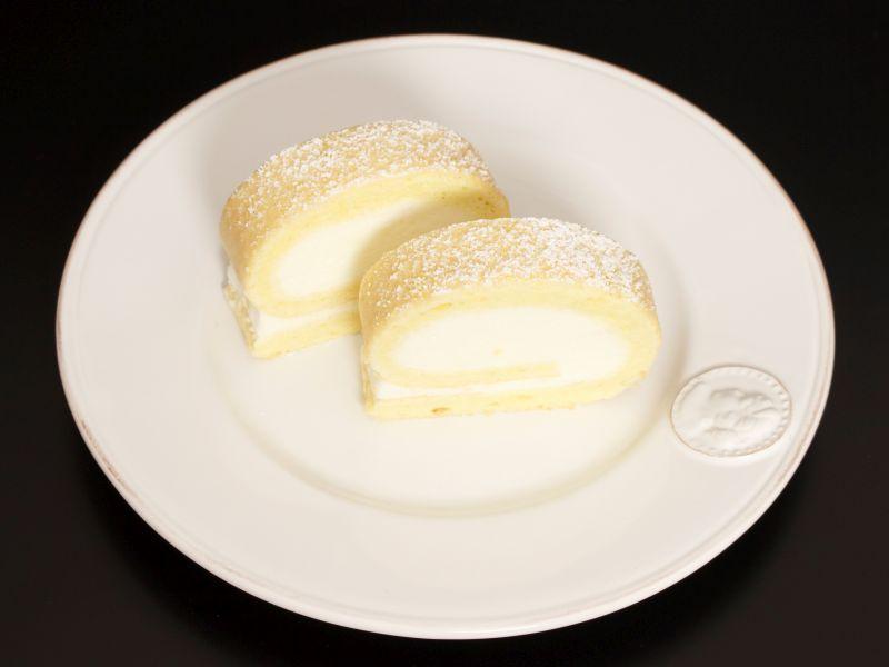 Zitronen-Biskuitrolle